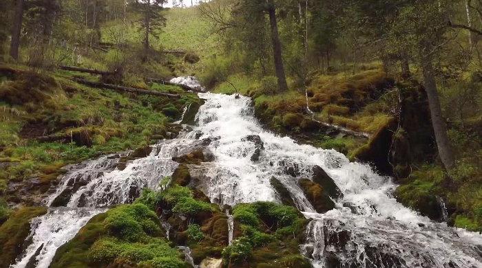 Емурлинский водопад