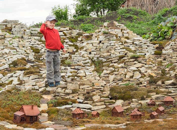 """Парк миниатюр """"Каменный остров""""."""